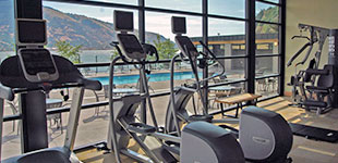 Fitness at the best western plus hood river inn for Hood river swimming pool hours